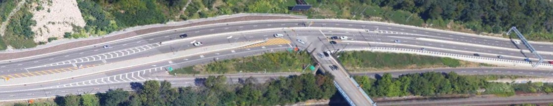 Innovative Florida-T design at 40th St, allowing continuous traffic flow along PA Route 28